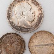 """Silbermünzen insg. 3 versch. Ausgaben: 1 x 3 Reichsmark """"Graf Zeppelin Weltflug 1929"""", 1930 (A), 1"""