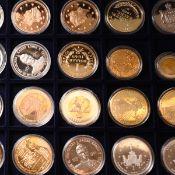 Konvolut Münzen und Medaillen insg. wohl an die 60 Stück, dabei Prägungen zu Themen aus Deutschl
