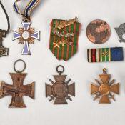 Konvolut Abzeichen, Auszeichnungen I. / II. WK insg. ca. 12 Stück, dabei u.a.: 1 x Dienstauszeichn