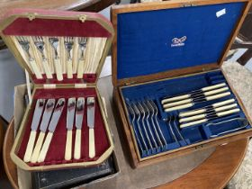Plated Ware: Early 20th cent. Oak cased six place cutlery set, plus a boxed fruit set (six