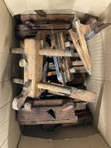 Tools: 19th cent. and later hardwood moulding, shaping, and other carpenter's planes. (50)