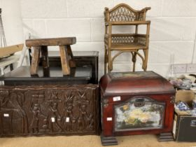 20th cent. Oriental dome top shoe box plus a collection of other miscellaneous smaller treen