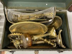 19th/20th cent. Metalware: Mixed Lot to include Corinthian column lamps, brass trays, horse brasses,