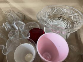 20th cent. Plated Ware & Glass: Queens Ware pattern part canteen, misc. plate, handkerchief vases