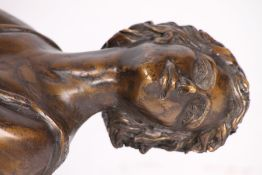 Frau, im ArtDéco-Stil, Bronze, braun u. goldbraun