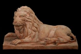 Liegender Löwe, nach Vorbild der Renaissance, Terracotta,