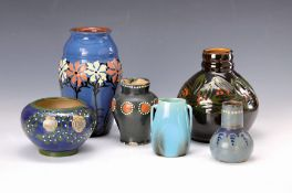 8 Keramikvasen, um 1900, 1. Vase Elisabeth Schmidt-Pecht,
