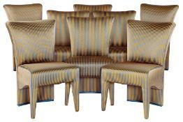 8 Stühle,  Korpus Holz, hochwertige glänze Stoffbezüge