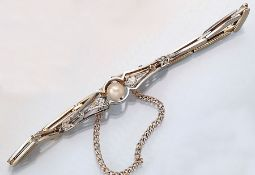 Armband mit Diamanten und Perle, deutsch um 1900,  Platin