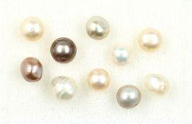 10 echte natürliche Perlen zus. ca. 15.87 ct, barock,