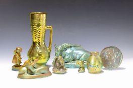 Lot aus 8 Objekten Lüsterkeramik, Keramische Fabriken
