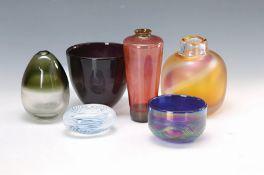 5 Vasen und ein Paperweight, Europa, Künstlerglas, 2.
