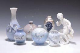 Sechs Vasen und eine Skulptur, Dänemark, 2.H.20. Jh.,