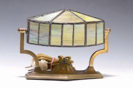 Tischlampe, Jugendstil, deutsch, um 1910,  Messingmontur,