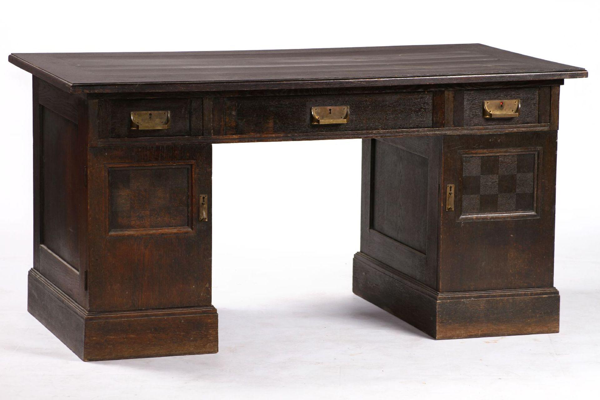 Schreibtisch, im Jugendstil von 1905, großer Einfluss von