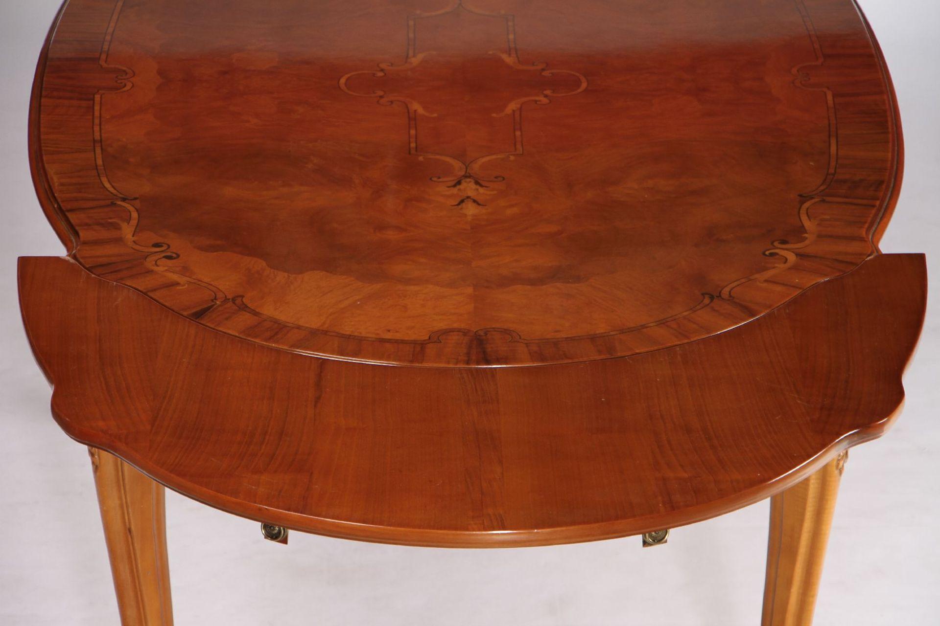 Ovaler Ausziehtisch mit 6 Stühlen, nach ital. Vorbild - Image 4 of 5