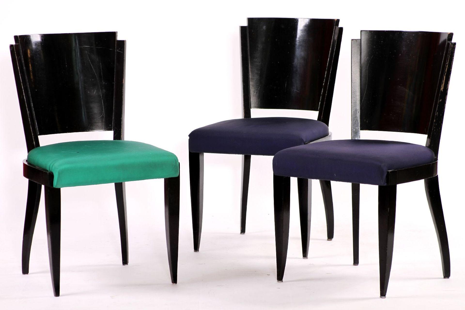 3 Stühle, im ArtDéco-Stil, Massivholz, schwarz glänzend