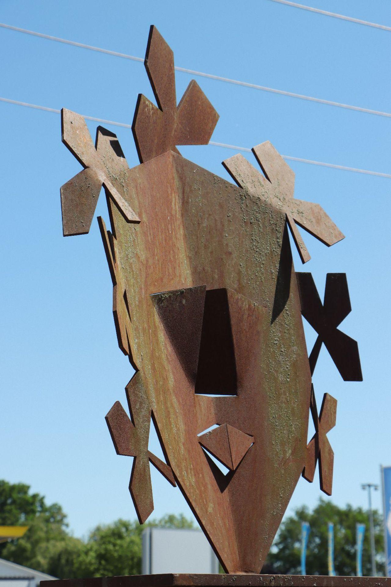 Skulptur auf Podest, Andreas Helmling, Eisen geschmiedet - Image 3 of 3