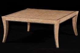 Couchtisch,  Grundgestell aus laminiertem Holz,