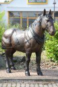 Grubenpferd,  Bronze, braun patiniert, kraftvoll,