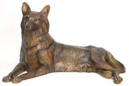 Wölfin,  Bronze, in versch. Brauntönen u. teils schwarz