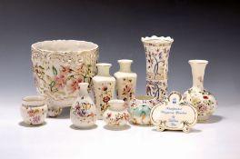 Lot aus Kleinteilen und Blumentopf, Zsolnay, Pecs, 20.Jh.,