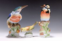 Drei Porzellanvögel, Herend, 20. Jh.,  bunt bemalt,