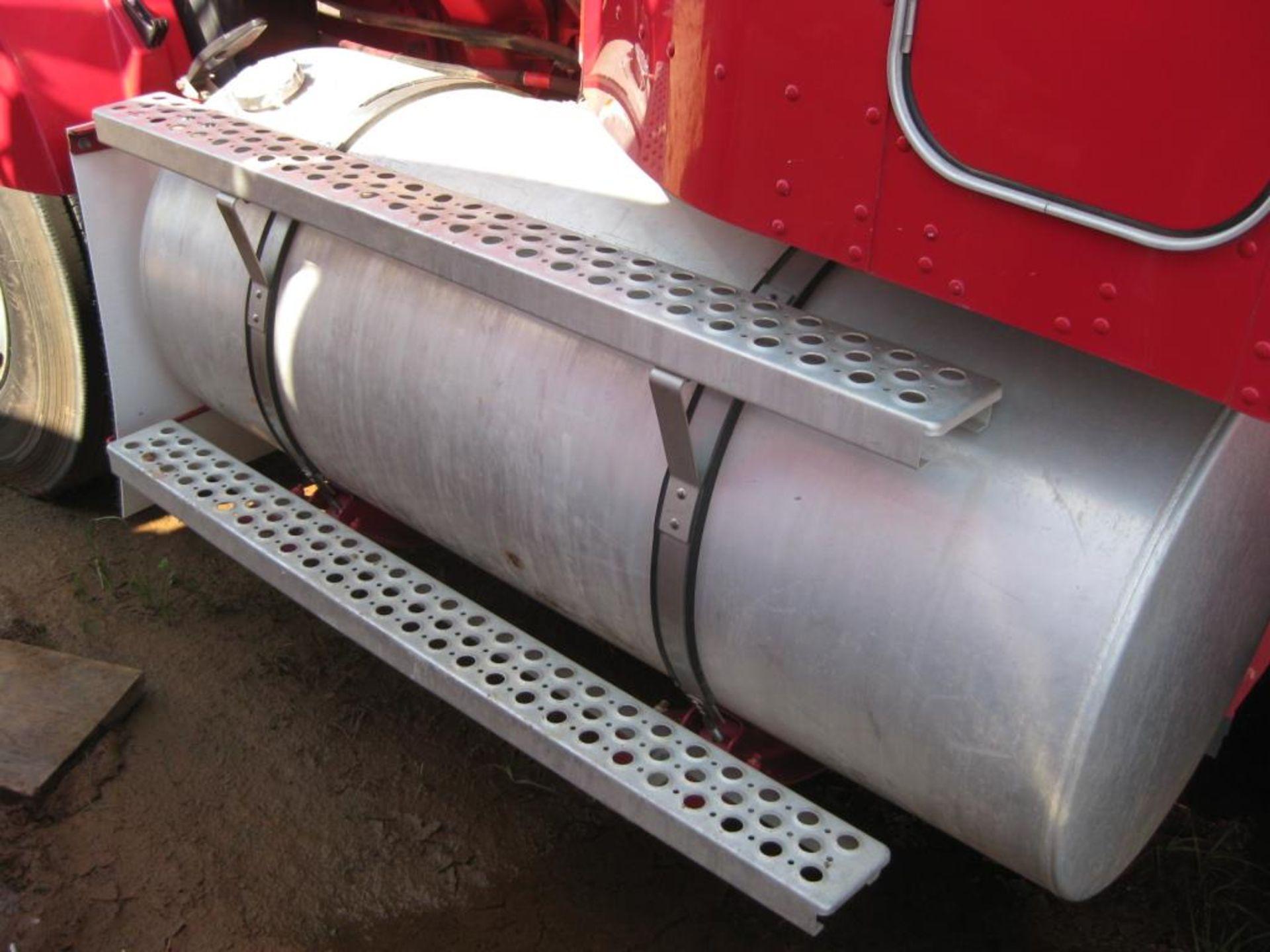 Kenworth Truck - Image 9 of 22