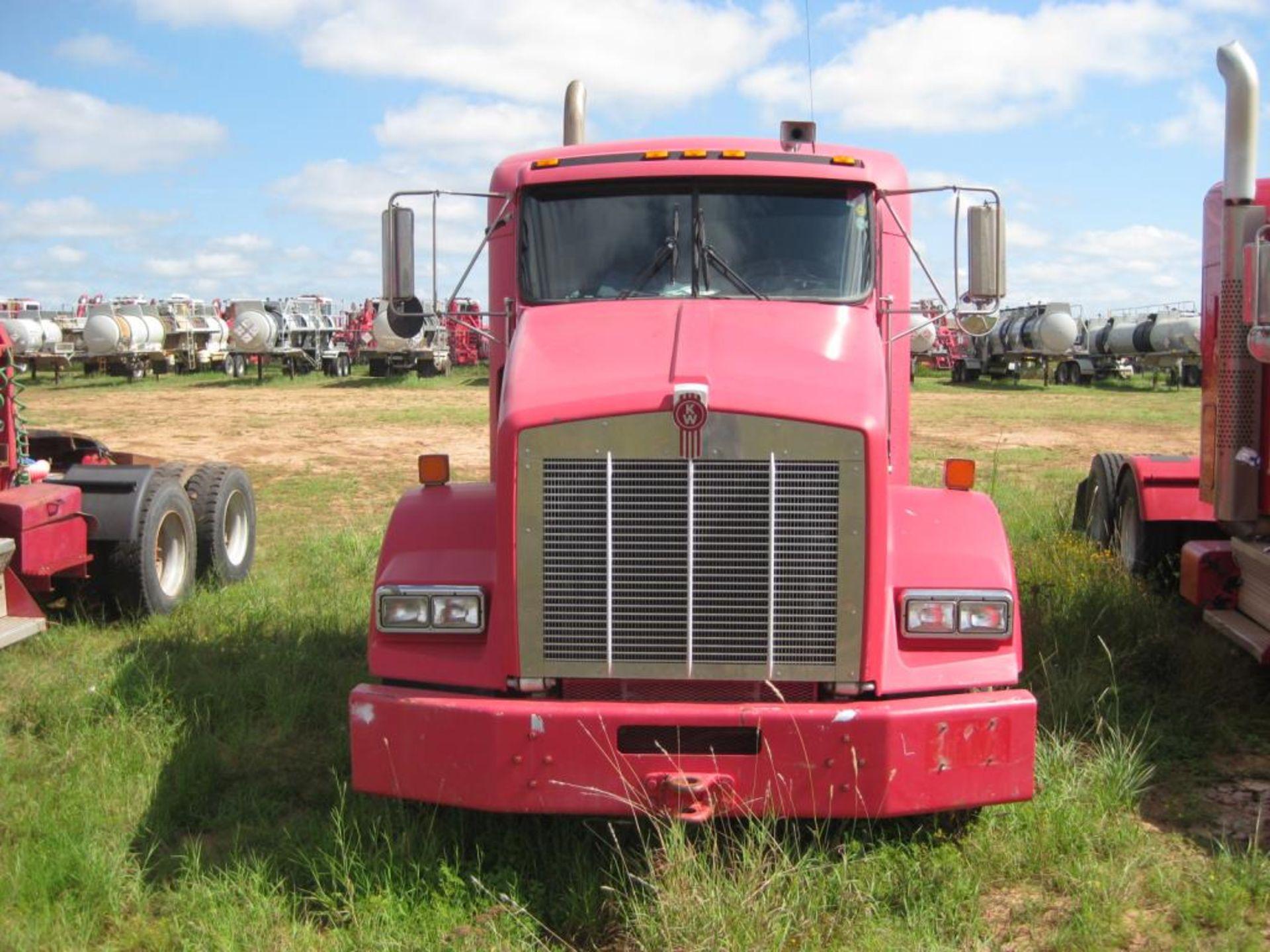 Kenworth Truck - Image 3 of 20