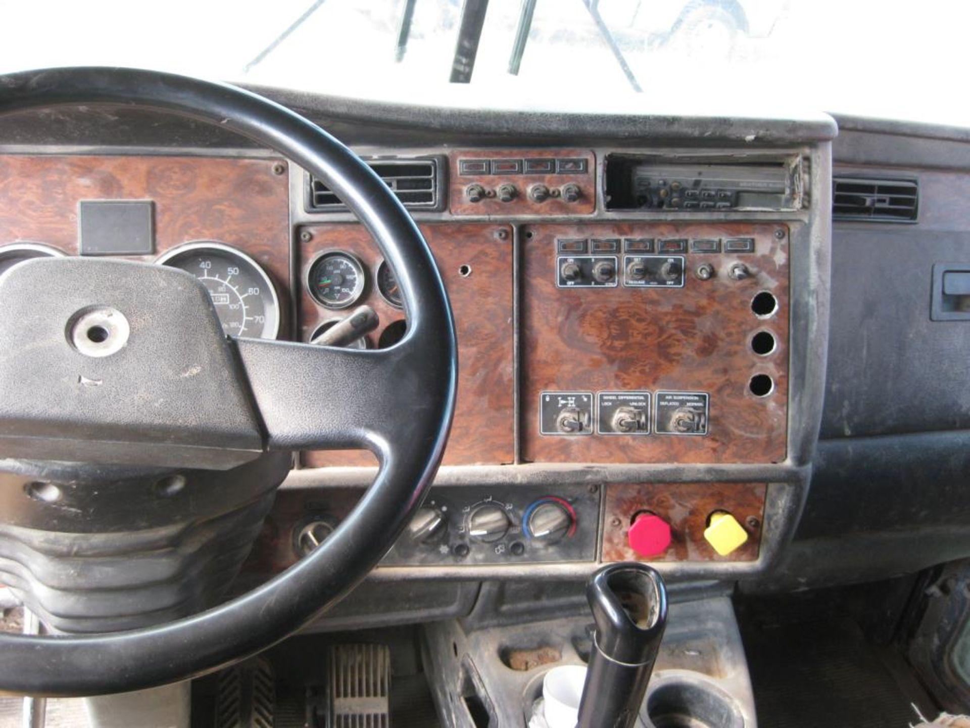 Kenworth Truck - Image 12 of 21