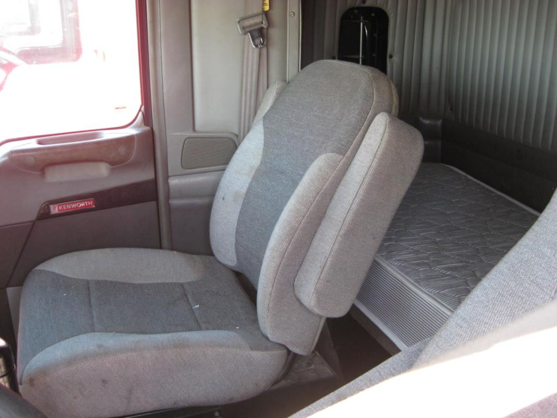 Kenworth Truck - Image 11 of 21