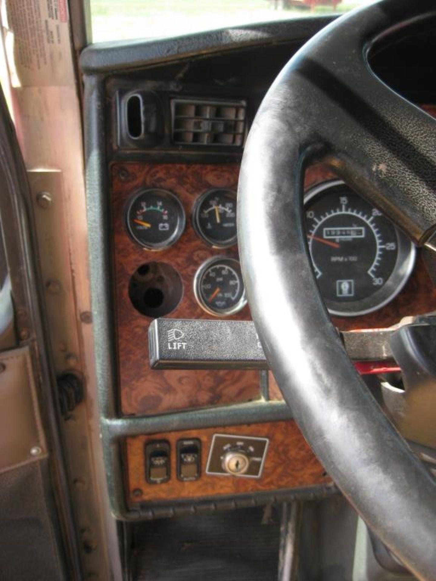 Kenworth Truck - Image 16 of 20