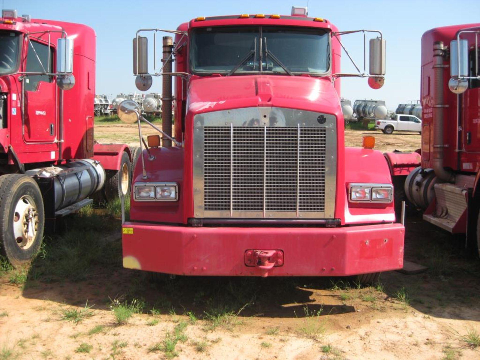 Kenworth Truck - Image 3 of 22