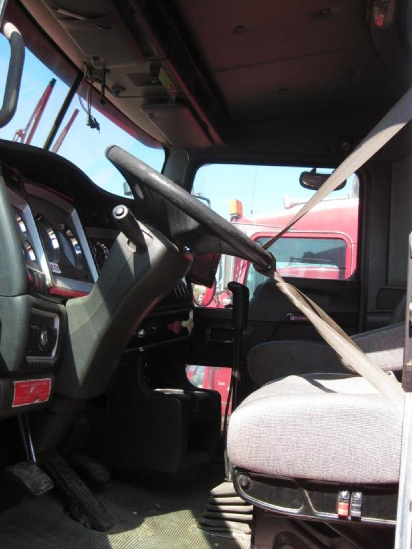 Kenworth Truck - Image 9 of 21
