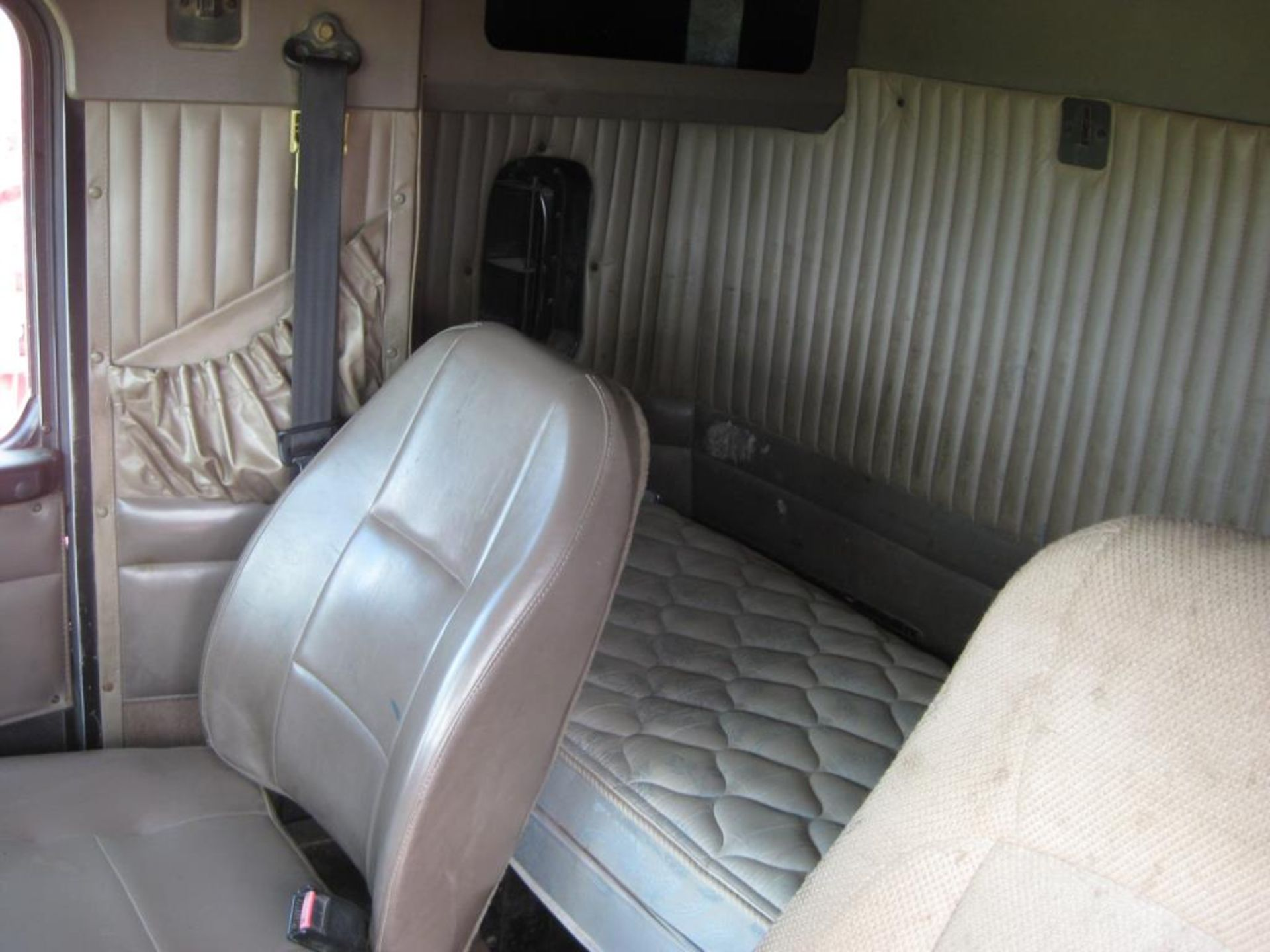 Kenworth Truck - Image 12 of 20