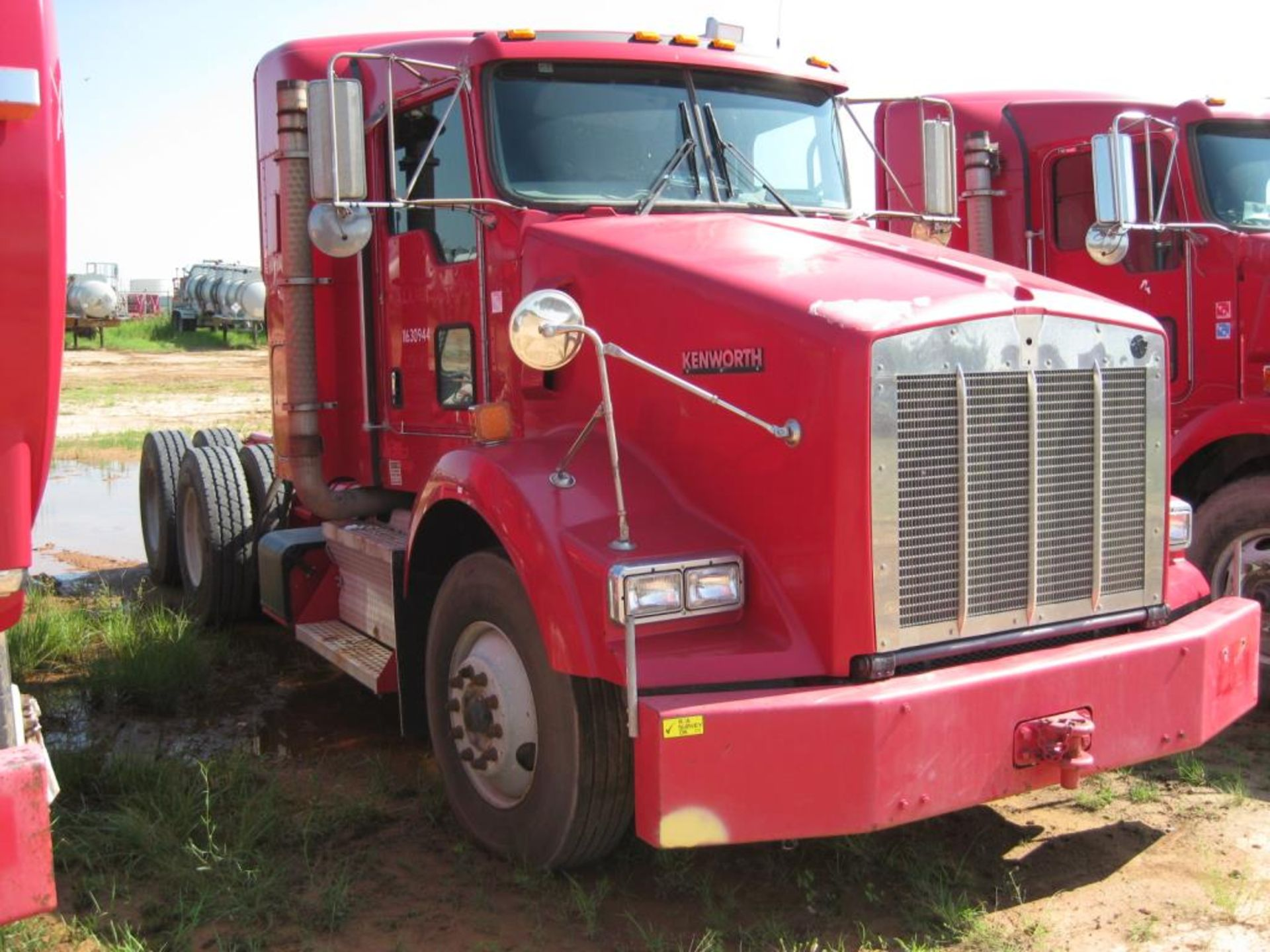 Kenworth Truck - Image 2 of 22