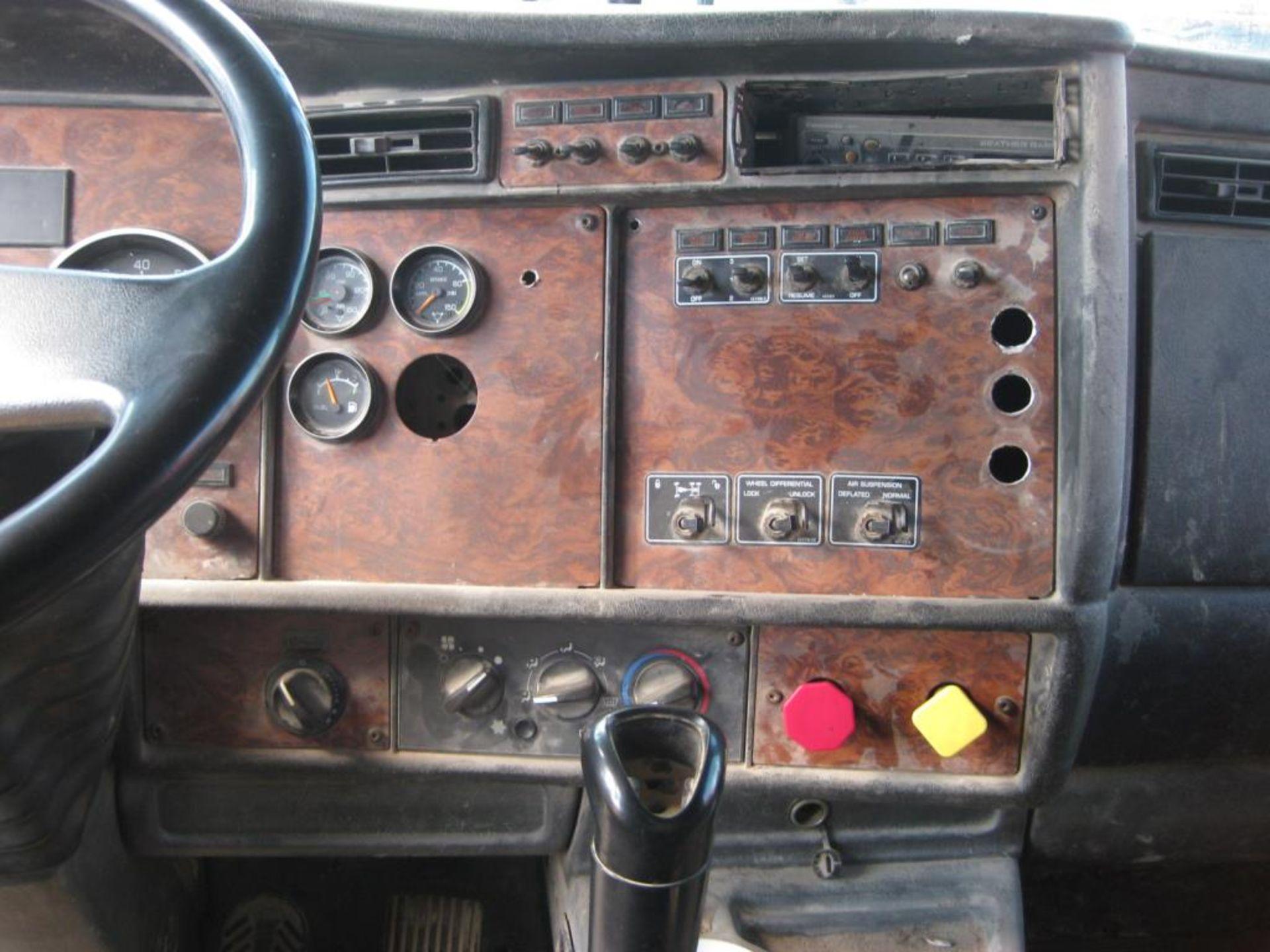 Kenworth Truck - Image 13 of 21