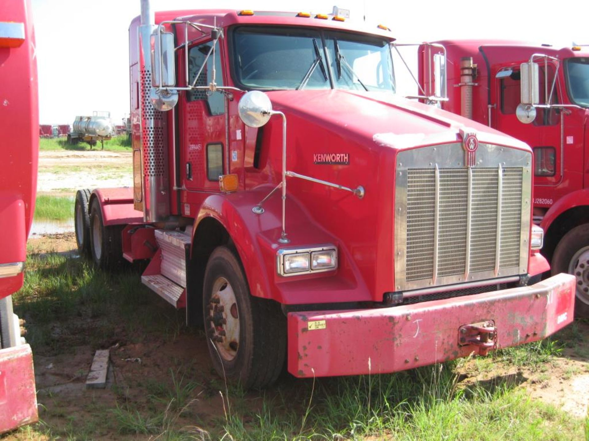 Kenworth Truck - Image 2 of 21