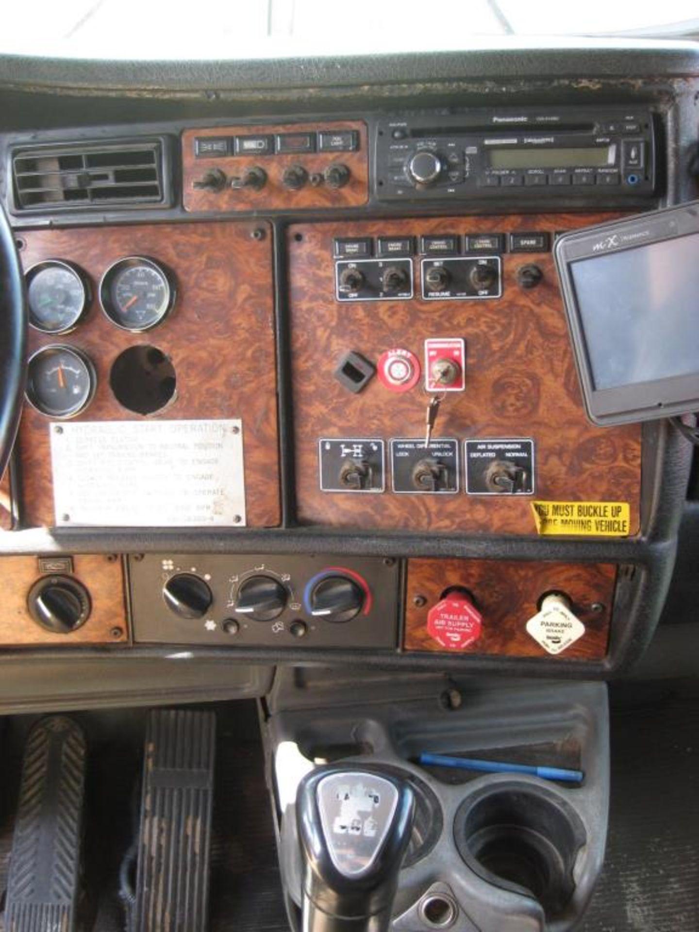 Kenworth Truck - Image 13 of 20