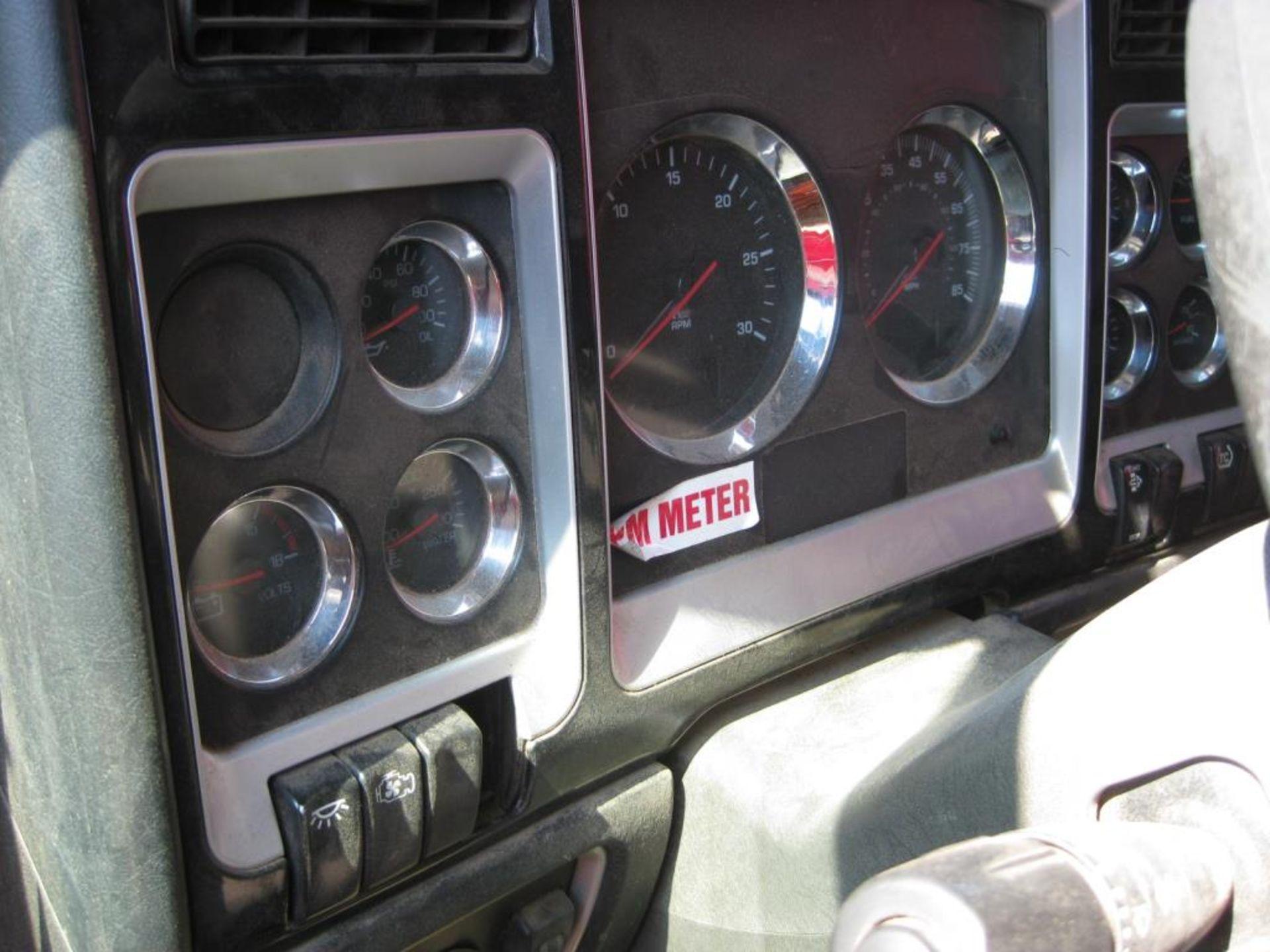 Kenworth Truck - Image 15 of 21
