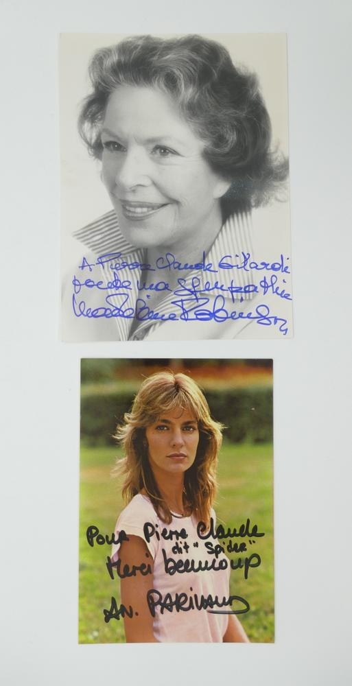 COLLECTION OF PHOTOGRAPHS AND POSTCARDS WITH AUTOGRAPHS BY NUMEROUS ARTISTS- 18 TV stars like - Image 7 of 17