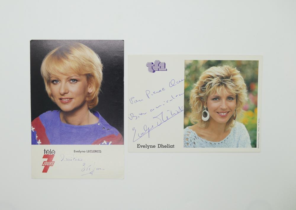 COLLECTION OF PHOTOGRAPHS AND POSTCARDS WITH AUTOGRAPHS BY NUMEROUS ARTISTS- 18 TV stars like - Image 17 of 17