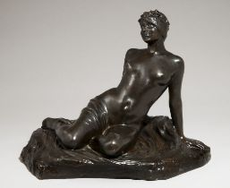 ALBERT BARTHOLOME (1848-1928) FOUNDRY BY ADRIEN-AURELIEN HEBRARD (1865-1937) Young girl getting