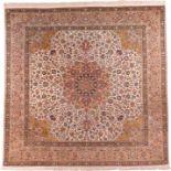 TÄBRIS KORK Persien, Ende 20. Jh.294 x 300 cm. Min. Gebrauchsspuren