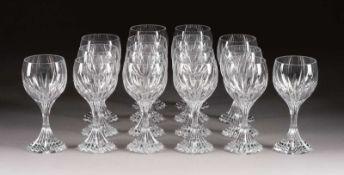 SATZ VON 16 ROTWEINGLÄSERN 'MASSÉNA' Frankreich, Cristalleries de Baccarat, 2.