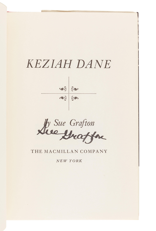GRAFTON, Sue (1940-2017).Keziah Dane. New York: The Macmillan Company, 1967.