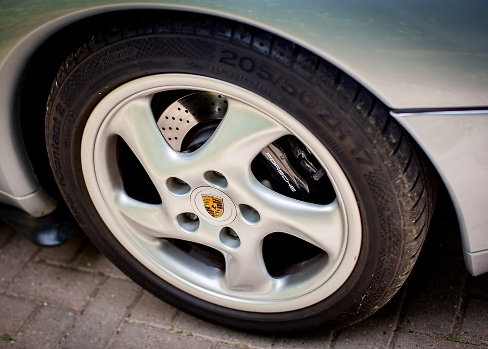 1995 Porsche 911 / 993 Carrera Convertible - Image 7 of 9