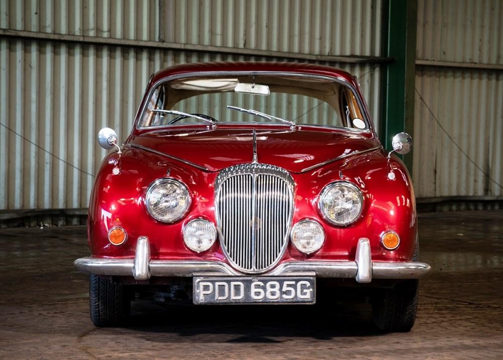 1968 Daimler 250 V8 Saloon - Image 3 of 9