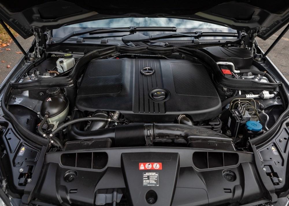 2011 Mercedes-Benz E250 AMG Sport Convertible - Image 7 of 9