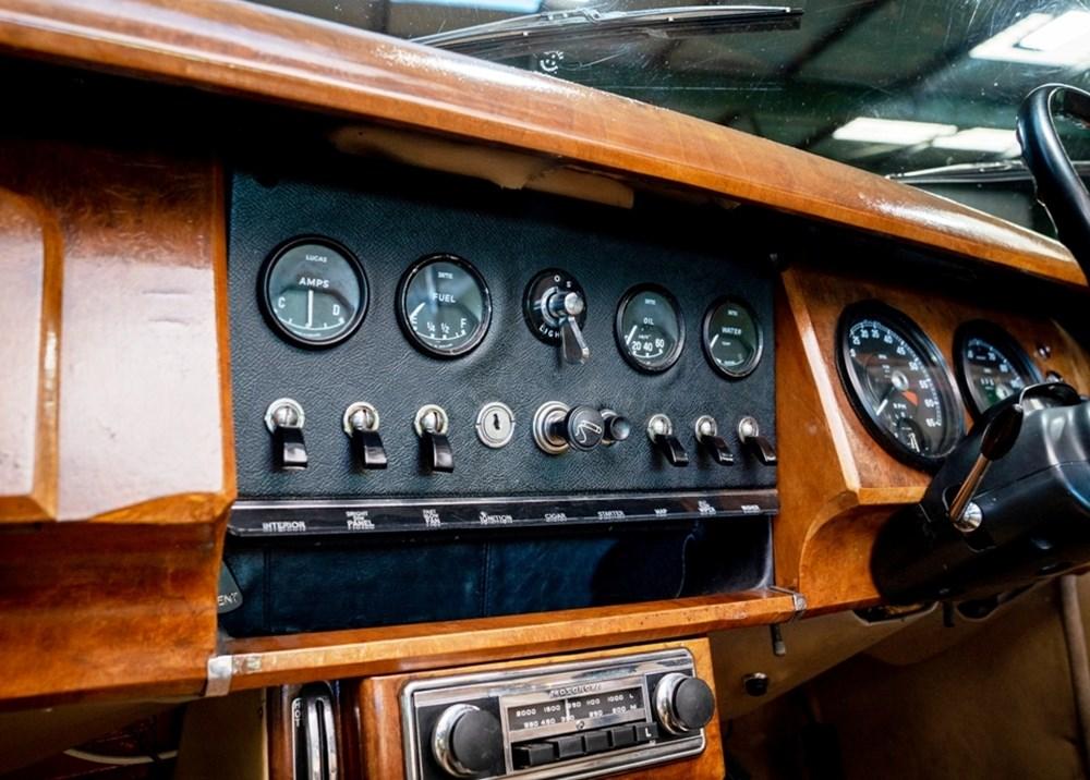 1968 Daimler 250 V8 Saloon - Image 7 of 9